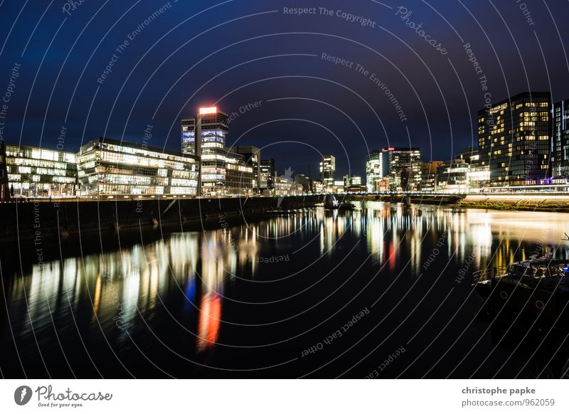 City House (Residential Structure) Architecture Building Germany Illuminate High-rise Harbour Media River bank Bank building Skyline Downtown Tourist Attraction