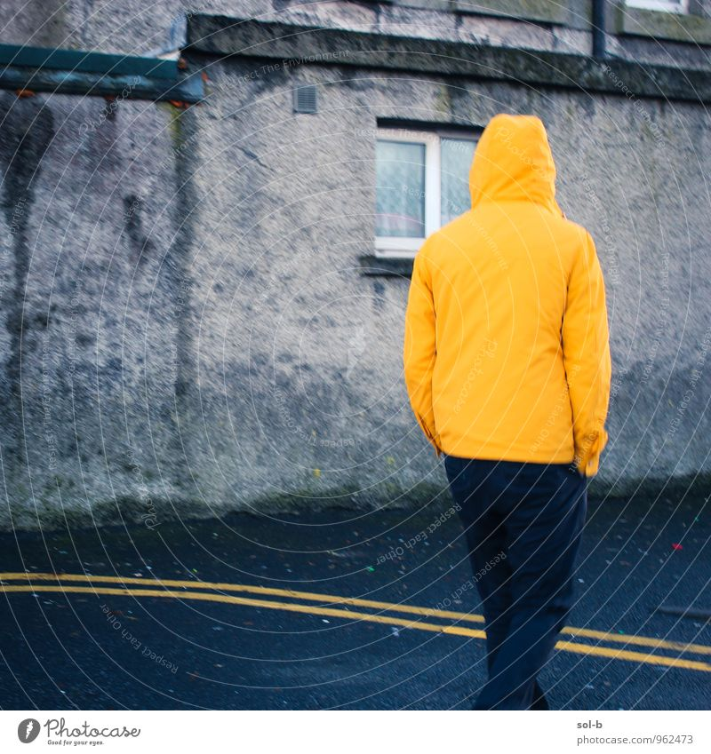 glwlns Human being Youth (Young adults) City House (Residential Structure) Young man 18 - 30 years Dark Window Yellow Adults Wall (building) Street