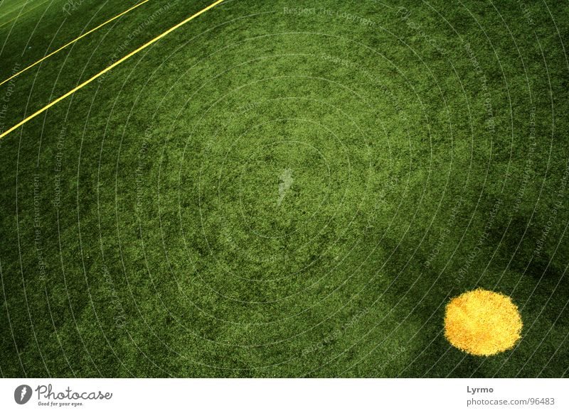 Green Colour Yellow Sports Playing Line Leisure and hobbies Circle Lawn Illustration Point Playing field Geometry Bump Kick off