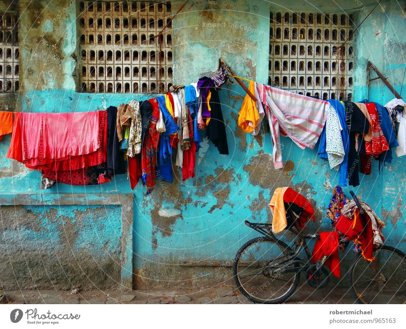 Colour Wall (building) Street Wall (barrier) Fresh Bicycle Clothing Cycling Hang Washing Sculpture India Dry Textiles Difference Laundry