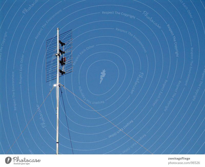 Sky Blue Air Waves Communicate Radiation Radio (broadcasting) Beautiful weather Antenna Telegraph pole Transmit Radio technology Broacaster Frequency