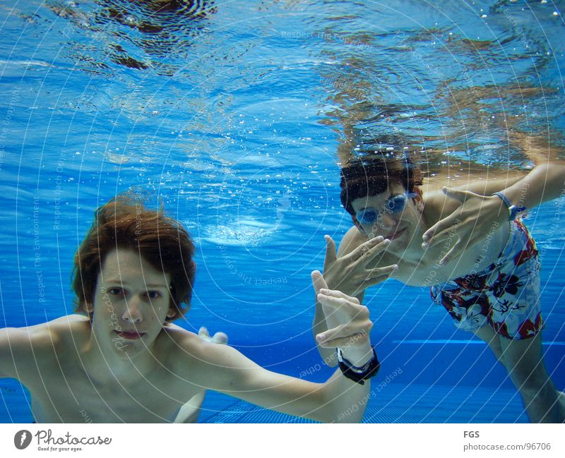 Blubb Blubb II Underwater photo Damp Wet Oxygen Water Friendship Fascinating Strong Sports Playing Aquatics Youth (Young adults) Ground Floor covering o2 yeah
