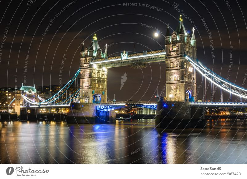 Moon over Tower Bridge Museum Architecture Culture Town Capital city Manmade structures Building Tourist Attraction Landmark Monument Idyll London Colour photo
