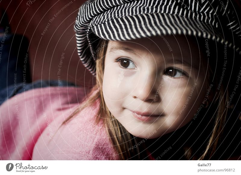 Child Nature Girl Beautiful Joy Life Laughter Happiness Sweet Joie de vivre (Vitality) Dynamics Grinning Lust Toddler Facial expression Alert