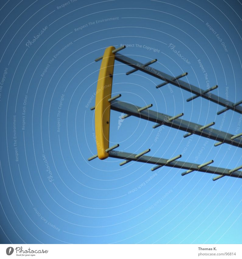 Sky Field Industry Electricity Communicate Television Science & Research Radiation Radio (broadcasting) Antenna Signal Adjustment Radio technology Broacaster