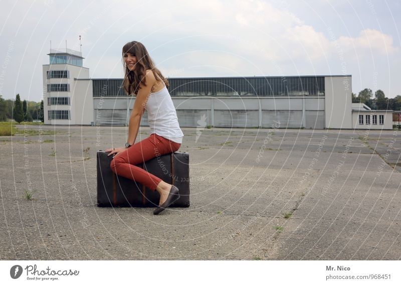 Off on vacation ! Lifestyle Vacation & Travel Tourism Trip Summer vacation Feminine 1 Human being Airport Building Airfield Air Traffic Control Tower Fashion