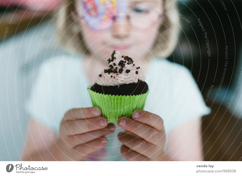 Human being Child Healthy Eating Girl Healthy Happy Food Birthday Infancy Nutrition Eyeglasses Delicious Candy Overweight Anticipation Baked goods