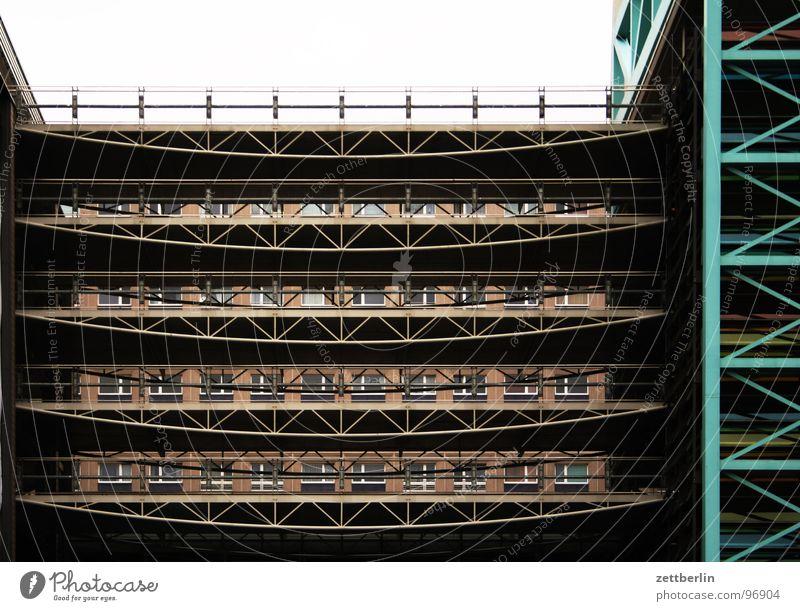 House (Residential Structure) Berlin Building Metal Architecture Safety Arrangement Vantage point Construction site Steel Story Transparent Parking lot