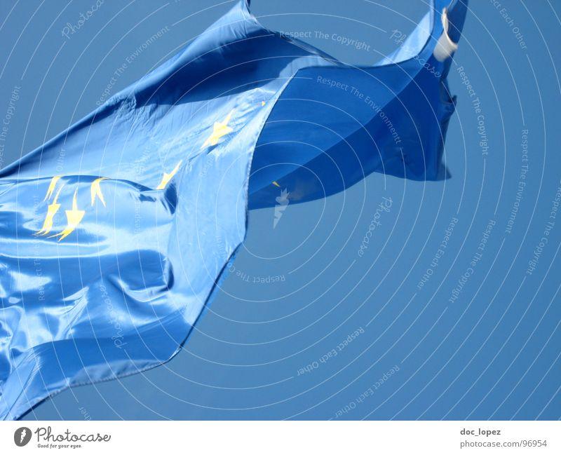 Sky Blue Air Wind Europe Star (Symbol) Future Flag Transience Peak Ambiguous Globalization Politician Discourse