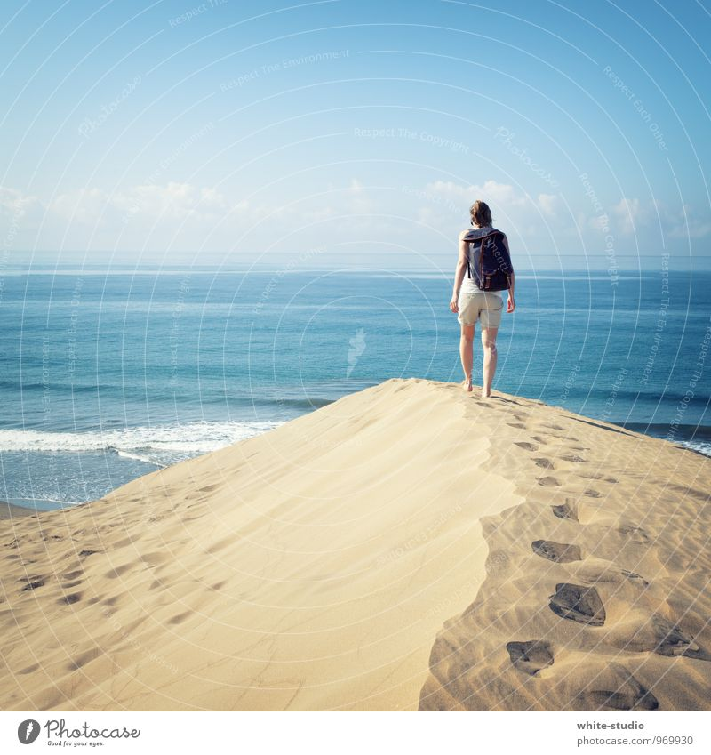 Vacation & Travel Water Sun Ocean Loneliness Feminine Lanes & trails Happy Freedom Hiking Happiness Vantage point Joie de vivre (Vitality) Target Desert