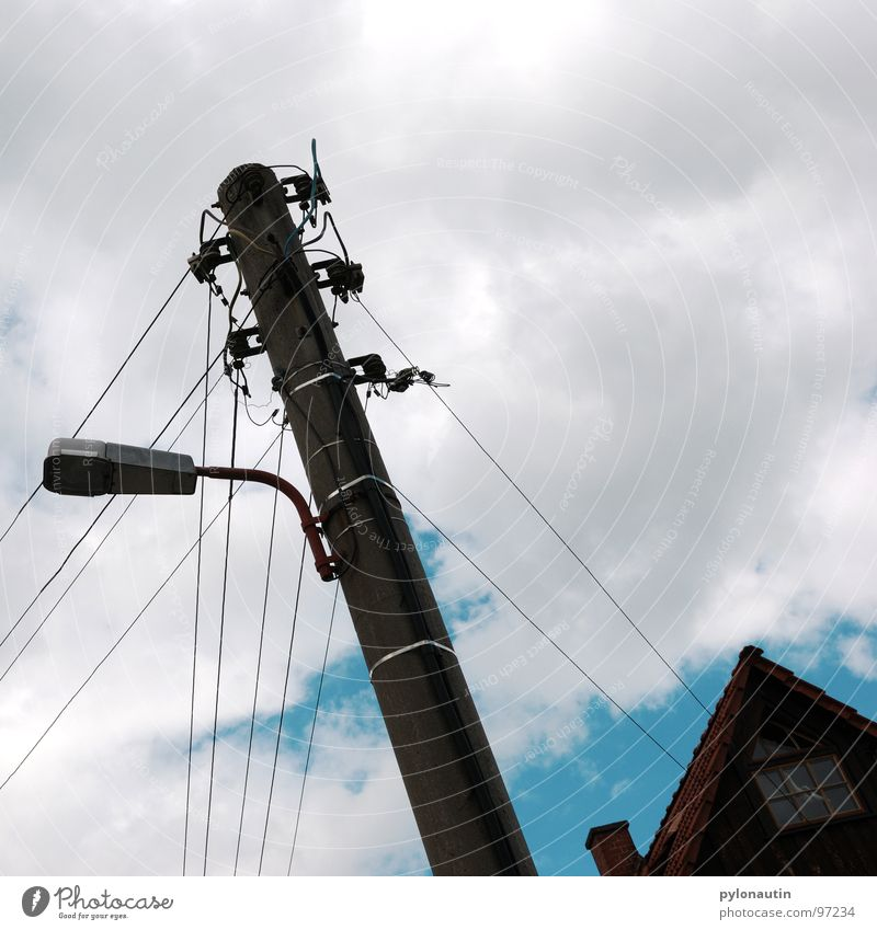 streamlined two Clouds Electricity White Electricity pylon House (Residential Structure) Street lighting Lantern Gray Sky Blue Cable Technology