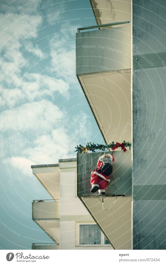 Trojan Flat (apartment) House (Residential Structure) Christmas & Advent Santa Claus Thief Wall (barrier) Wall (building) Facade Balcony Costume To hold on Hang