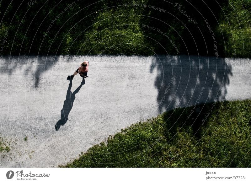 Man Red Joy Meadow Grass Movement Young man Music Walking Gloomy Desire T-shirt Concentrate Thin Running Border