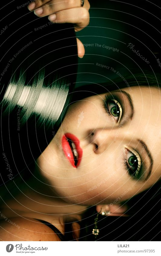 Woman Green Red Face Eyes Music Concert Passion Record Sing Earring Pop music Jazz Rock'n'Roll Make music Rhythm & Blues