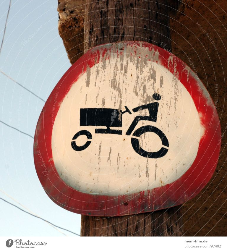 trekker not! Agriculture Road sign Transport Street sign Pictogram Bans Prohibition sign Farmer Cuba Organic farming Vehicle Signs and labeling