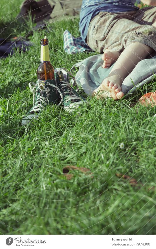 Chillin' with Limo Leisure and hobbies Girl Boy (child) Youth (Young adults) Legs Feet Toes 1 Human being Grass Footwear Chucks Bottle Straw Glass Relaxation
