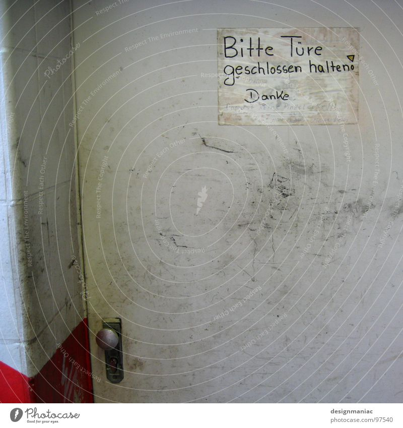 This is not a pee corner! Desire Door Closed Thank you very much Gray White Red Door handle Dirty Tagging (graffiti) Disgust Bah Characters Parallel Information