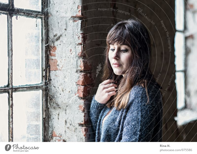 Side light girl Young woman Youth (Young adults) 1 Human being 18 - 30 years Adults Building Hayloft Wall (barrier) Wall (building) Window Sweater Brunette