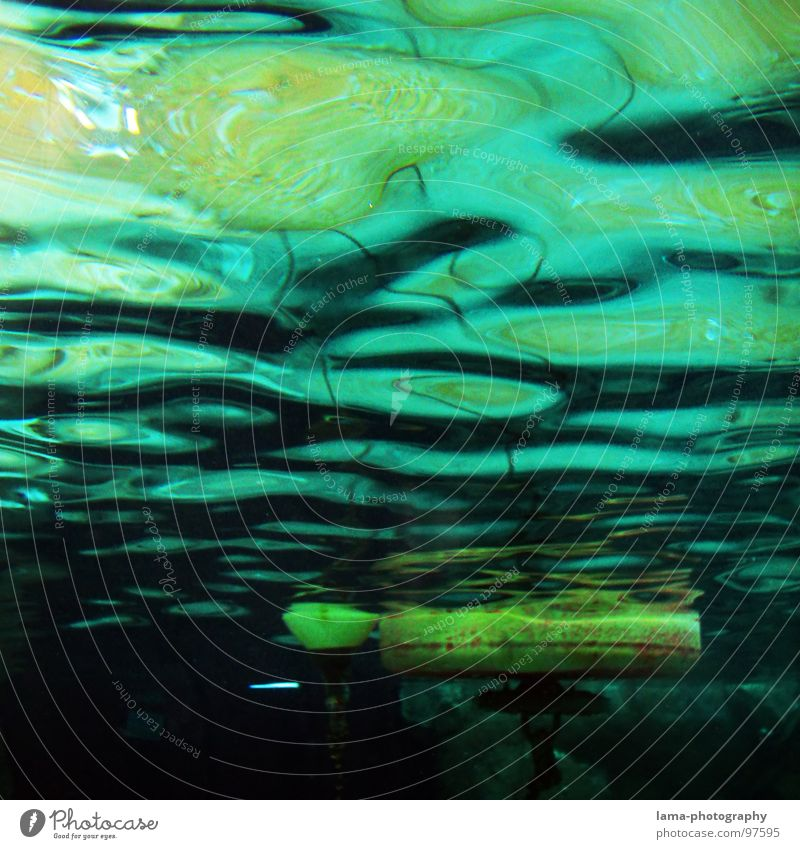 Under the sea I Navigation Underwater photo Buoy Watercraft Ocean Lake Navy Navigation mark Keg Body of water Navigable water Lighthouse Float in the water
