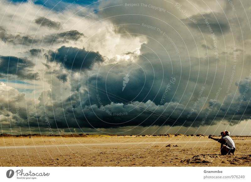 dragon weather Human being 2 Sky Clouds Storm clouds Horizon Climate Weather Bad weather Wind Rain Beach Crouch Blue Yellow Gray Joie de vivre (Vitality) Joy