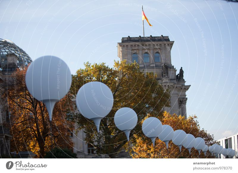 Light limit at the Reichstag Work of art Architecture Event Cloudless sky Sunlight Autumn The Wall Tourist Attraction Landmark Monument Blue Yellow Hope 2014