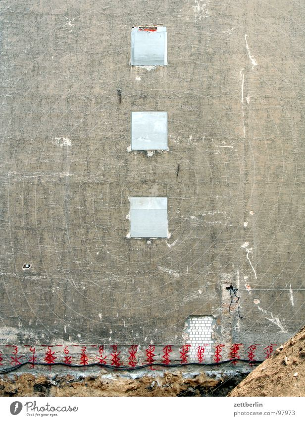 Window Wall (building) Sand Building Wall (barrier) Facade Closed Concrete Construction site Material Gravel Concrete wall Sandheap Concrete construction
