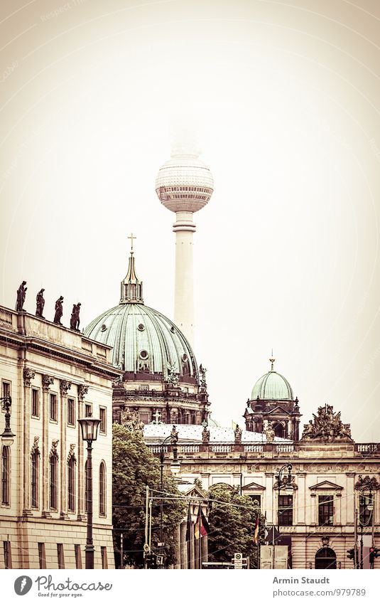 City House (Residential Structure) Winter Dark Architecture Autumn Berlin Moody Facade Dirty Gloomy Fog Tourism Retro Historic Skyline