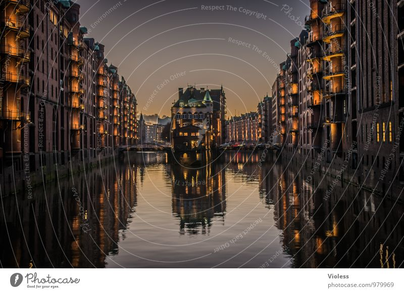 Dark Architecture Lighting Building Exceptional Esthetic Fantastic Hamburg Kitsch Manmade structures Harbour Monument Landmark Tourist Attraction Old town