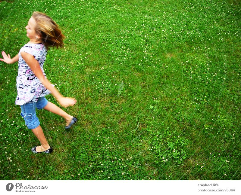 waddling duck Girl Happiness Green Blonde Forehead Top T-shirt Dream Looking Ballet Speed Child Youth (Young adults) Janina Hair and hairstyles Laughter Eyes