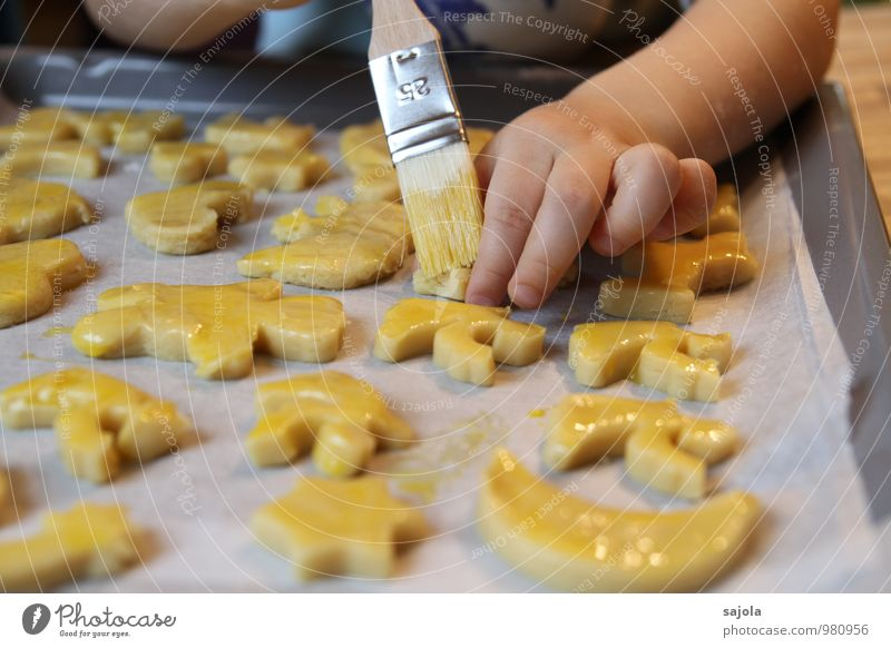 angel baker Food Candy Christmas biscuits Milanese Nutrition Human being Androgynous Child Toddler Hand Fingers 1 3 - 8 years Infancy Painting (action, work)