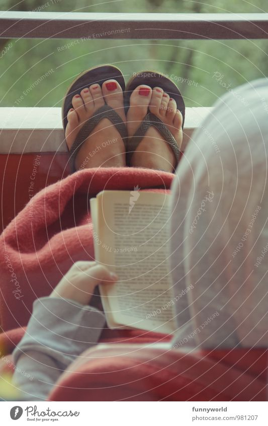 Reading with feet Pedicure Nail polish Leisure and hobbies Woman Adults Feet 18 - 30 years Youth (Young adults) 30 - 45 years Balcony Lean Relaxation Red
