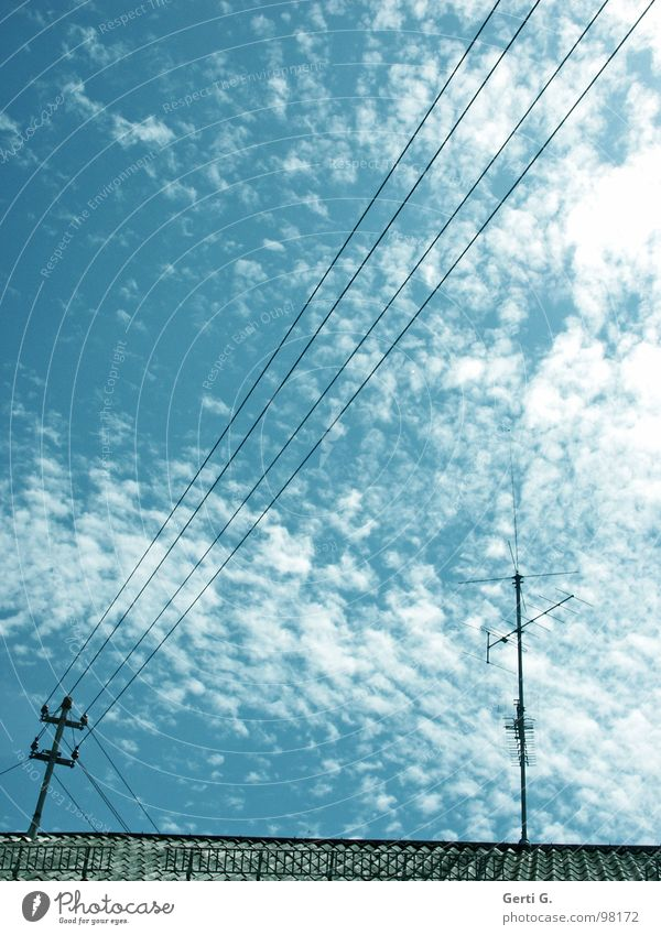_//_____l__ Electricity Energy industry Sky blue Clouds Altocumulus floccus Streamline Roof Roof ridge Antenna Roofing tile Transmission lines Diagonal