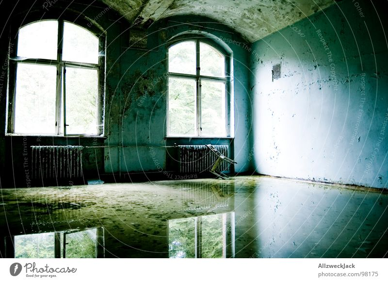 mirror polished 2 Dirty Flood Water damage Mirror Reflection Weather Glittering Window Window transom and mullion Light Shaft of light Loneliness Gloomy Tidy up
