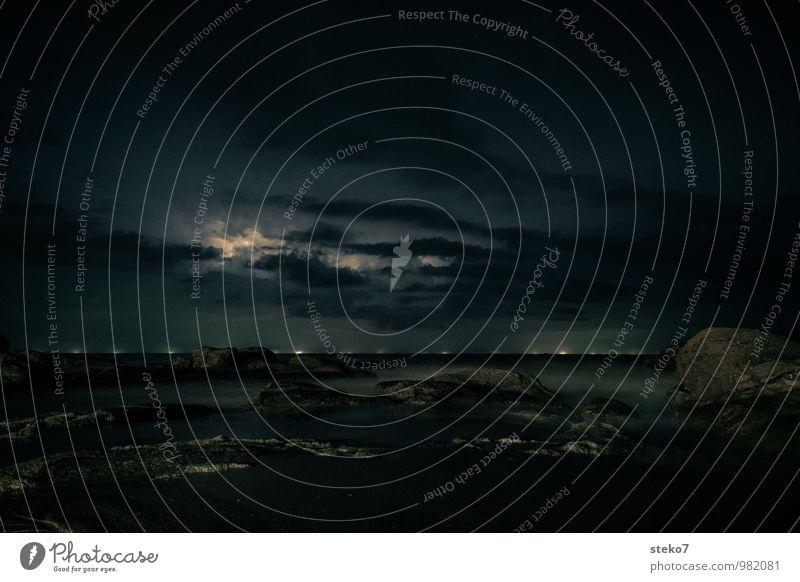 Ocean Far-off places Dark Coast Horizon Threat Lightning Thunder and lightning Night sky Andaman Sea Aurora Borealis