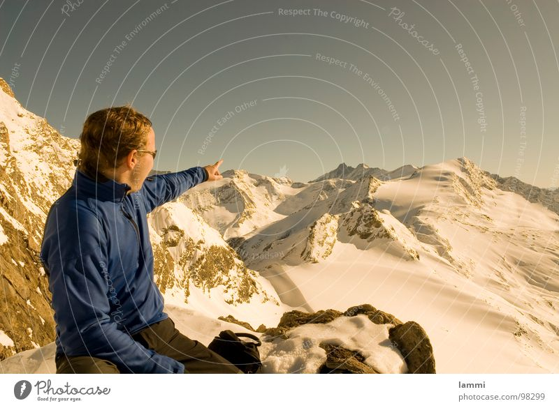 look there Winter Break To enjoy Dream Vantage point Tracks Winter sports Grossglockner Hohen Tauern NP Mountain aplenae Snow Stone Rock