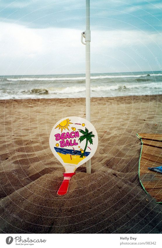An honorable ending... Beach ball Broken Beach mat Palm tree Ocean Coast Surf Hill Clouds Leisure and hobbies Playing Sports Ball sports Summer Sand Joy