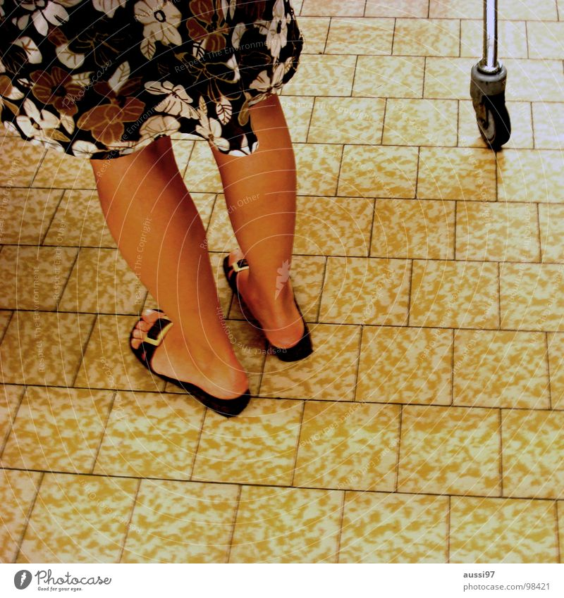 Woman Summer Legs Shopping Floor covering Tile Shopping Trolley Sandal Flip-flops Shaven Woman's leg