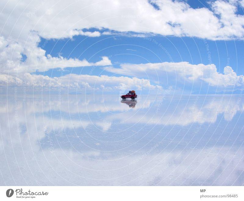 SkyDriver I Salar de Uyuni Salt  lake Mirror Bolivia Clouds Adventure Monstrous Jump Under Lake Blue Hop Go crazy Hope Events Impressive Impression Divide