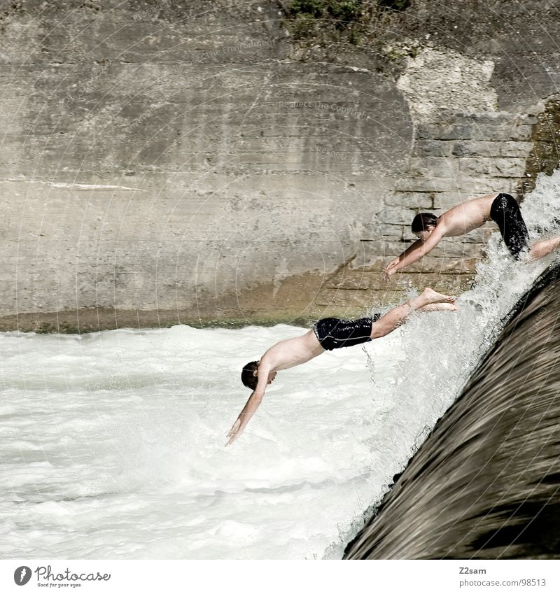 Isar Jumper IX Summer White crest Body of water Bavaria Munich Headfirst dive Together 2 Downward Wall (building) Wall (barrier) Dangerous Ascending Go up
