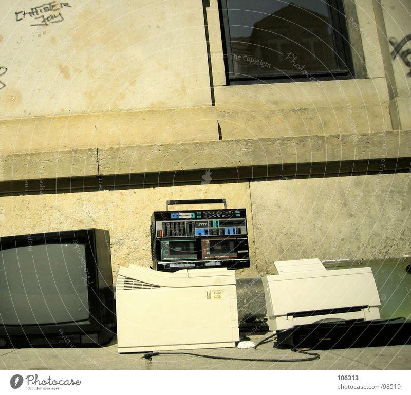 HIGH-TECH TO TOUCH Printer Scanner TV set Television Ghetto blaster Stereo Trash Garbage dump Flea market Old-school Defective Nostalgia Remainder Scrap metal