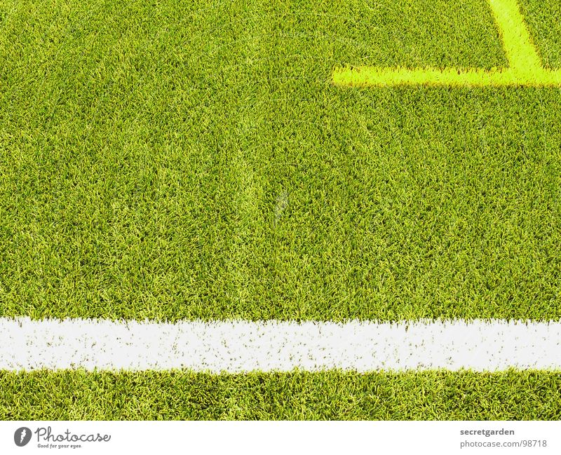 T Playing field Artificial lawn Fringe zone Section of image Sporting grounds Edge Deserted Yellow White Green Sports Soccer Signs and labeling Lawn Line Bright