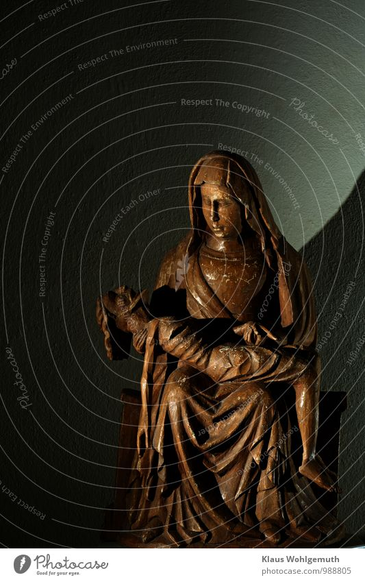 Mary Masculine Feminine Mother Adults Art Work of art Sculpture salow Village Church Tourist Attraction Wood Sign Sadness Brown Gray Black Emotions Love Romance