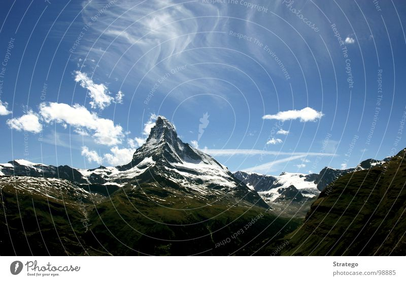 Matterhorn V Zermatt Canton Wallis Switzerland Hill Clouds Peak Hiking Mountaineering Abseil Go up Climbing To board Mountain range Summer Tourism Japanese