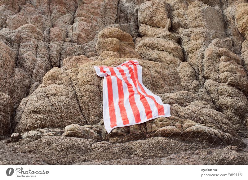 air drying Lifestyle Relaxation Vacation & Travel Tourism Trip Far-off places Freedom Summer vacation Sunbathing Rock Towel Dry Disperse Colour photo