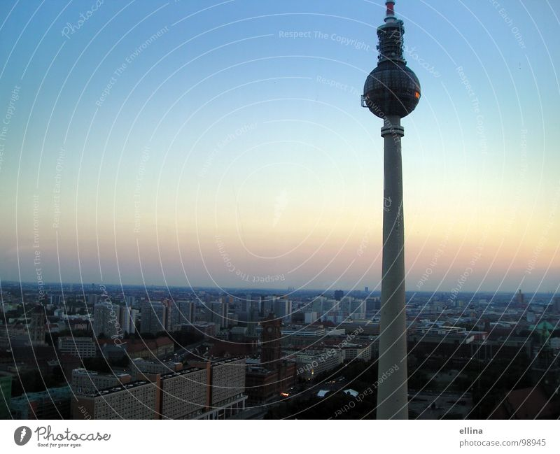Berlin, you're so wonderful. Colour photo Exterior shot Deserted Copy Space left Copy Space top Neutral Background Evening Twilight Light