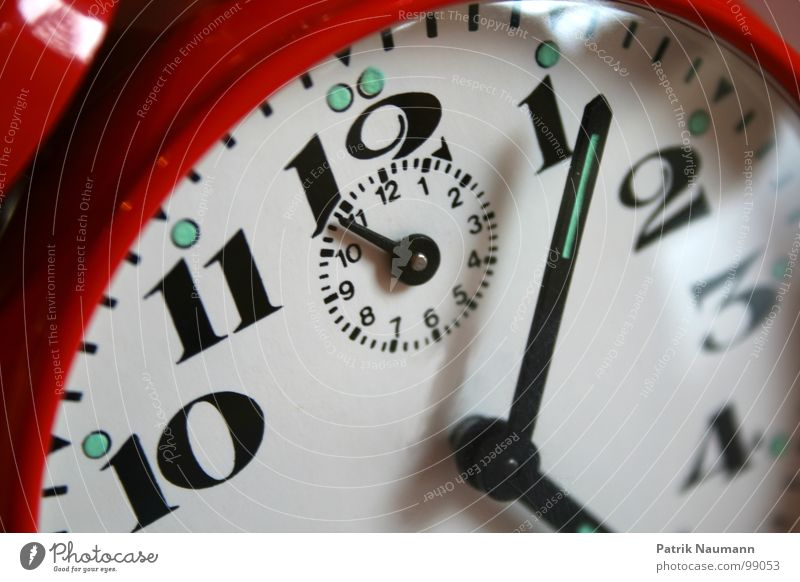 Red 2 Time Clock 3 Future Digits and numbers 4 Past 10 12 Advancement 11 Clock hand