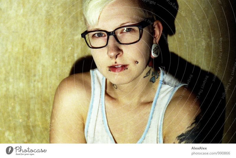seen Living or residing Flat (apartment) Redecorate Room Night life Young woman Youth (Young adults) Face 18 - 30 years Adults Shirt Eyeglasses Tattooed