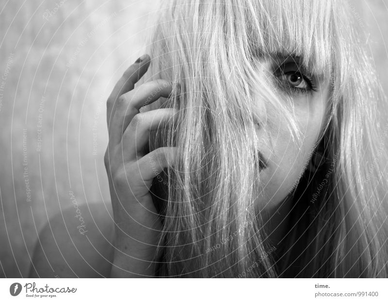 Human being Youth (Young adults) Beautiful Young woman Eroticism Sadness Emotions Feminine Wild Blonde Observe Threat Protection Passion Concentrate Pain