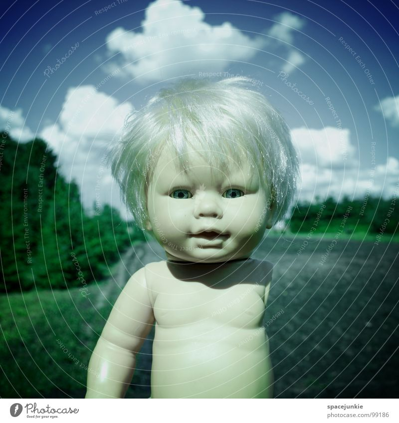 coming home Toys Threat Alarming Blonde Chucky Creepy Horror film Evil Sweet Cute Whimsical Return Come Going Fear Panic Doll Eyes Blue Wild animal