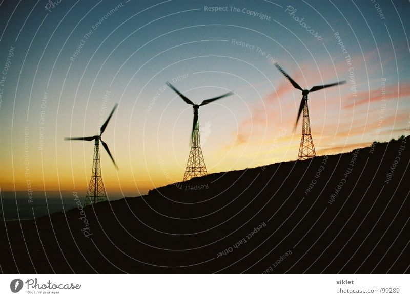 Nature Sky Blue Summer Yellow Colour Dark Cold Mountain Movement Landscape Pink Wind Wind energy plant Rotate Dusk